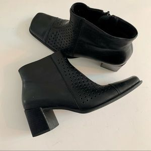 Andrew Stevens Zumba leather ankle booties 7 1/2